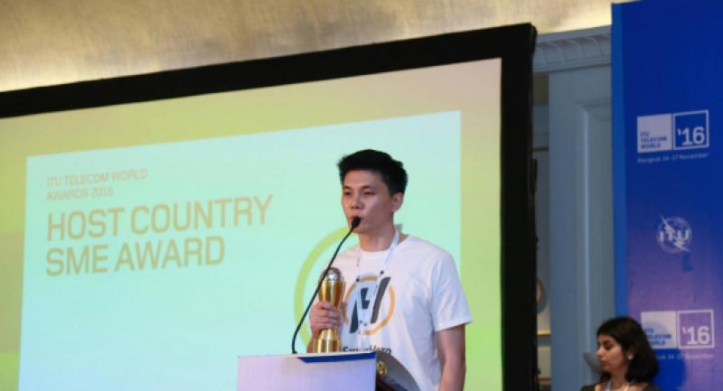 Noppol Toochinda, cofounder and country manager for Thailand, of ServisHero thanks the judges at