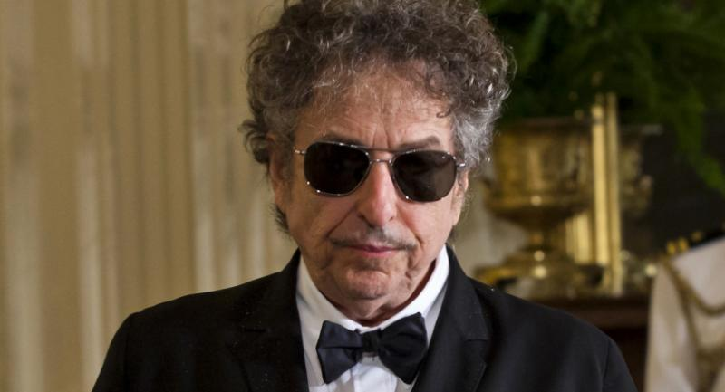 (FILE) A file picture dated 29 May 2012 shows US folk music legend Bob Dylan in the East Room of the White House in Washington, DC USA. / EPA