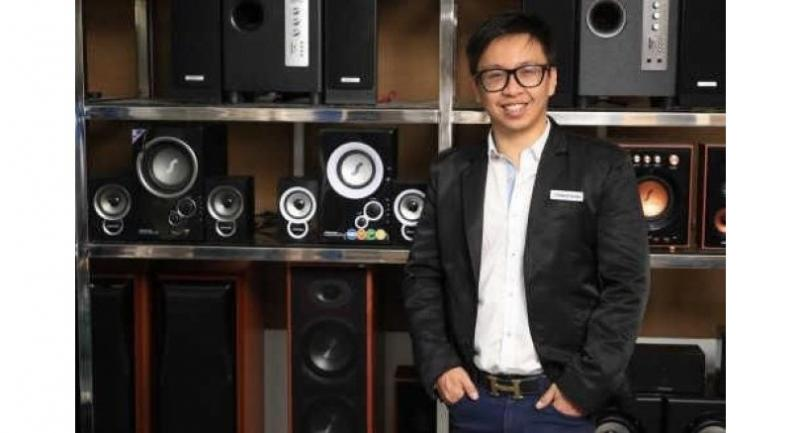 Akapol Kittiratanapinan, CEO of Nicon Thai Sales and Service Co Ltd, poses with the company's Sherman audio products.