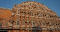 Hawa Mahal, the crown of Jaipur, was designed in the form of the crown of Krishna, the Hindu god. The Nation/Chusri Ngamprasert