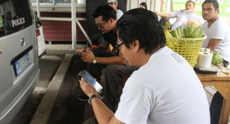Wireless data connection at Dhammakaya Temple has been blacked out at the order of the DSI.