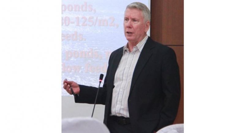 Jim Wyban, president of Marine Genetics, meets with Myanmar shrimp businesses during his first-time visit last week.