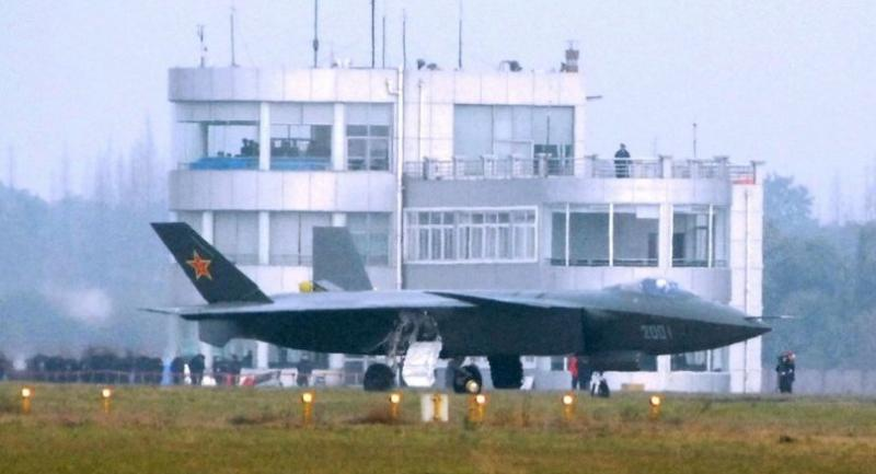 This file photo taken on January 6, 2011 shows China's new stealth fighter jet, the J-20, the country's first radar-evading combat aircraft./ AFP PHOTO / KANWA NEWS