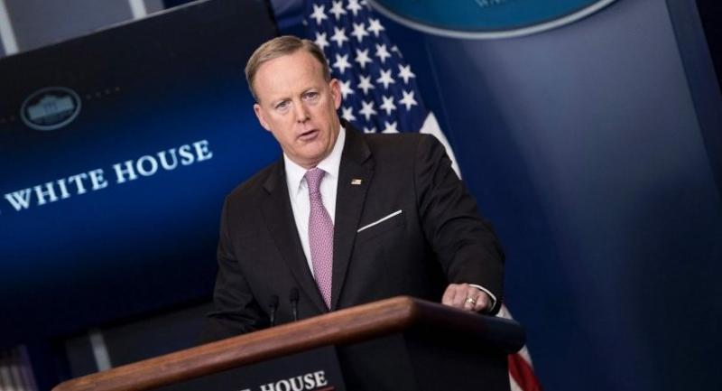 White House Press Secretary Sean Spicer speaks that the US military on Thursday dropped what is considered to be the largest non-nuclear bomb on an Islamic State complex in Afghanistan, the Pentagon said. / AFP PHOTO