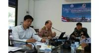ISOC Phuket Deputy Chief Eakbavron (center) said that the government always did its best to establish open communication with the public and media. Photo: Phuket PR