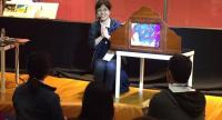 """Etsuko Nozaka leads a workshop on """"paper theatre"""" books, known as kamishibai, at the gathering of bibliophiles from around the world./Photo courtesy of TK Park"""