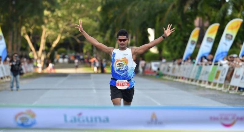 Thai athlete and Phuket native, Rattakarn Lamanee, winner of the 5km (male) at Laguna Phuket Marathon 2017.