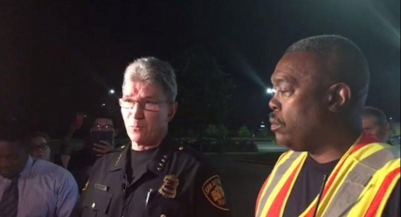 A frame grab taken from a video made available by the San Antonio Police Department (SAPD) shows SAPD Chief William McManus (L) and San Antonio Fire Chief Charles Hood speaking to the media. // EPA PHOTO