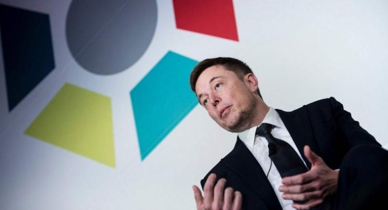 Elon Musk, CEO of SpaceX and Tesla, speaks during the International Space Station Research and Development Conference at the Omni Shoreham Hotel July 19, 2017 in Washington, DC. / AFP PHOTO