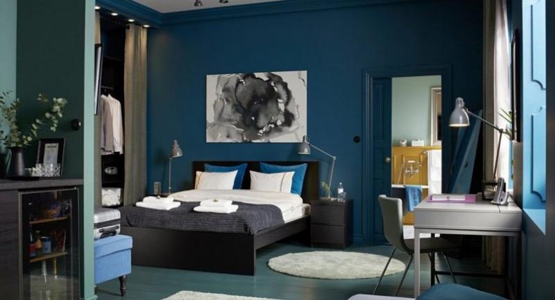 Scandinavian Modern mixes vivid colours to add joyful elements to a room.