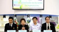 Top officials from relevant state health agencies yesterday announce plans to help people who will be affected by Mahaesak Hospital's withdrawal from the universal healthcare scheme.