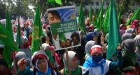 A group of Indonesian activists protest in Bandung, West Java on September 4, about the humanitarian crisis in western Myanmar's Rakhine state on the border with Bangladesh.//AFP