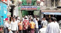 Muslims flock to the Cholla Jame Mosque in Yangon for Friday Prayers./The Strait Times