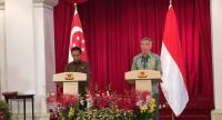 President Joko Widodo met with the Prime Minister of Singapore Lee Hsien Loong on September 7. The meeting marked the 50th anniversary of Indonesia –Singapore relations. (JP/Fedina S. Sundaryani)