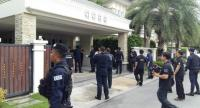 Authorities yesterday search a luxury house in Bangkok's Taling Chan district linked to former National Buddhism Office chief Nopparat Benjawatananan, a fugitive suspect in the alleged embezzlement of state subsidies for temples.