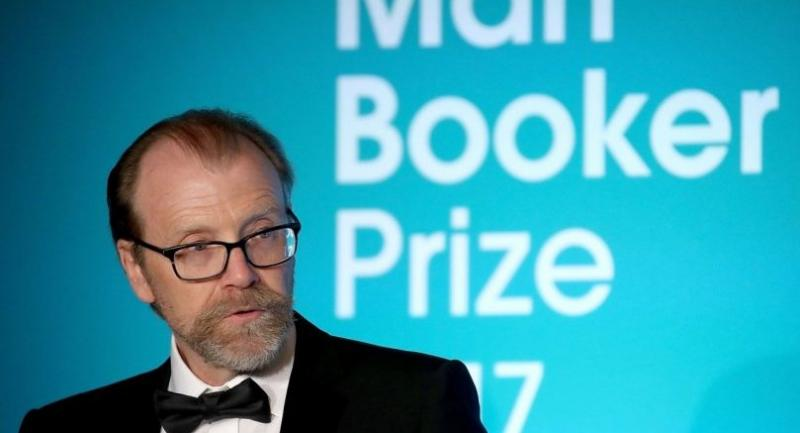 US author George Saunders speaks after being annouced as the winner of the 2017 Man Booker Prize for Fiction, at the Guildhall in central London on October 17, 2017./AFP