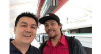 Thai businessman Natthapon Asswisessiwakul thanked SMRT Train Captain Muhammad Faisal Mohd Yusoff for returning his wallet.PHOTO: FACEBOOK/NATTHAPON ASSWISESSIWAKUL