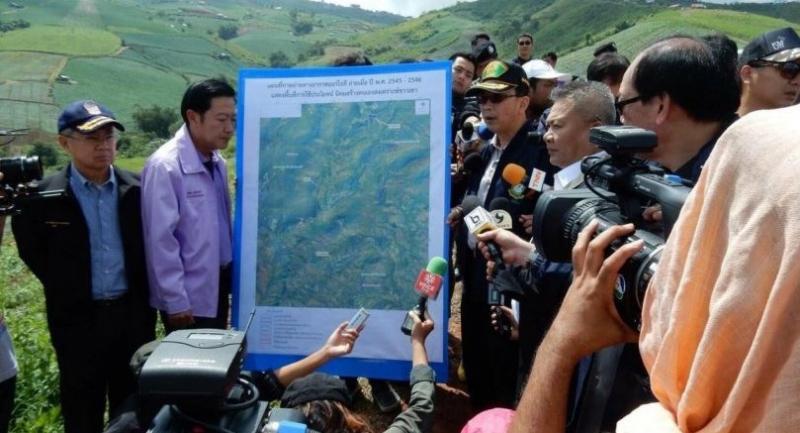 RFD chief Chonlatid  recently inspects Phu Tab Berk along with his deputy, Athapol Charoenshunsa, and members of the department's Phayak Prai taskforce. Courtesy of RFD