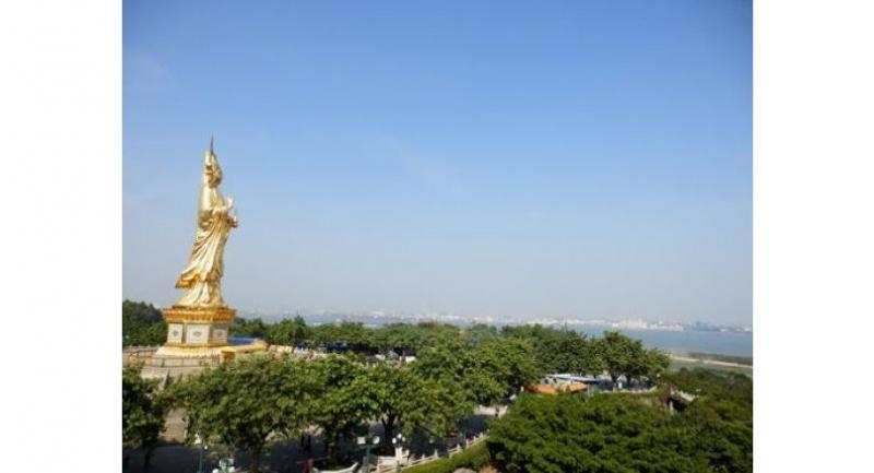 The 40-metre-high Goddess of Mercy at Lianhua Shan.
