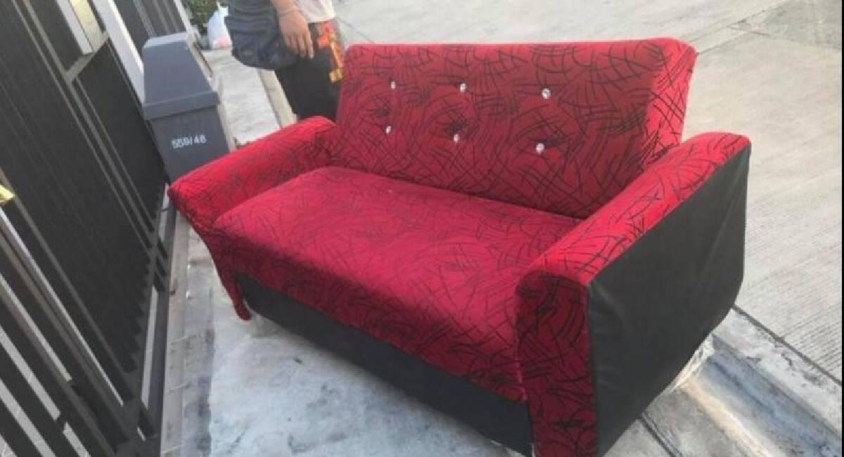 Dispose Of Old Furniture At Bangkok, How To Get Rid Of Old Sofa Bed