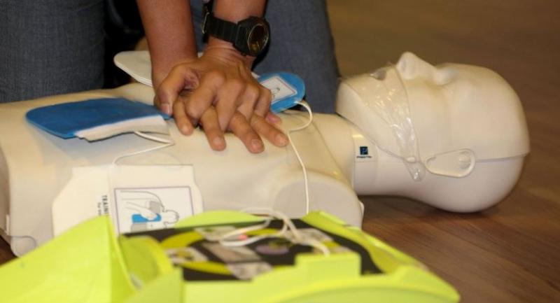 Training in CPR and in the use the AED have been held by both the public and private sectors.