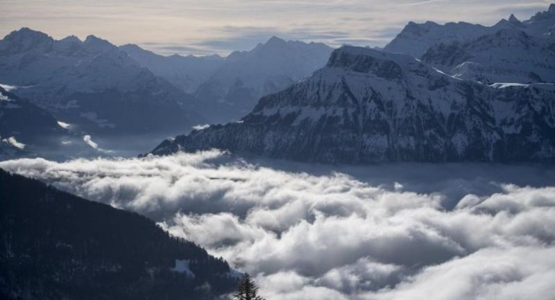A view of the Swiss Alps and low clouds, seen from Rigi-Scheidegg, Switzerland, 23 December 2017. EPA-EFE