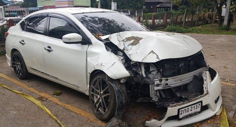 Sornchai Sathitrakdamrong's car was parked at Mae Suay Police Station as evidence in this case.
