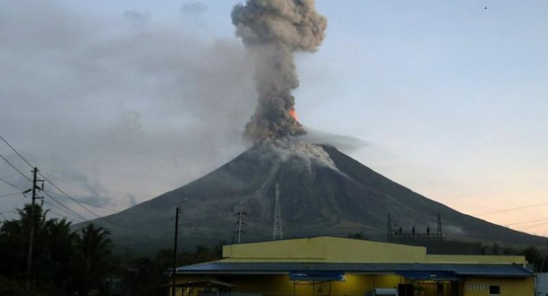 Mount Mayon on January 24.//EPA-EFE