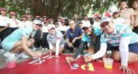 LPGA players in a CSR activity.
