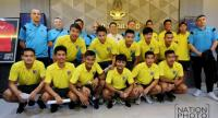 National team and coach in a picture session during a meeting on Monday. Photo by Wanchai Kraisornkhajit