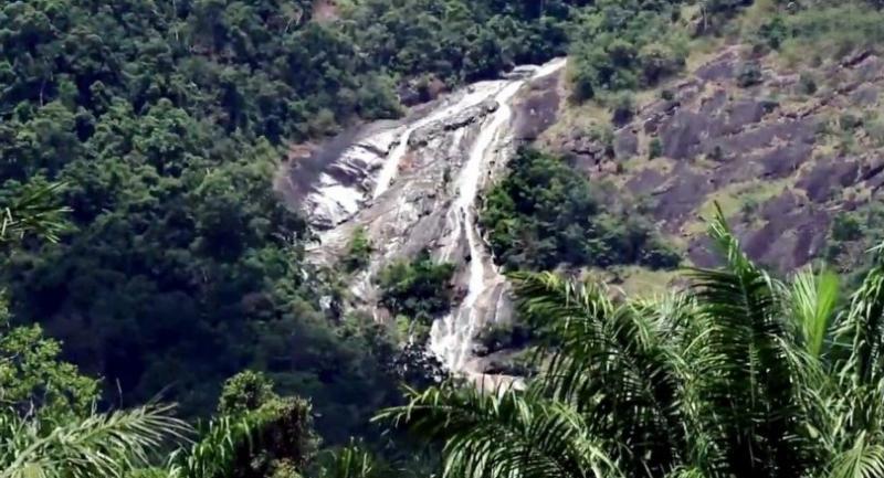 Ton Pliw Waterfall in Trang.