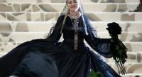 Indonesian designer Rinaldy Yunardi  crowns Madonna at Met Gala in New York Photo/AFP
