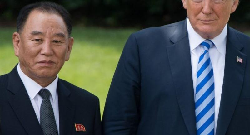 US President Donald Trump (R) poses for photographs with North Korean Kim Yong Chol at the White House on June 1, 2018 in Washington,DC. /AFP