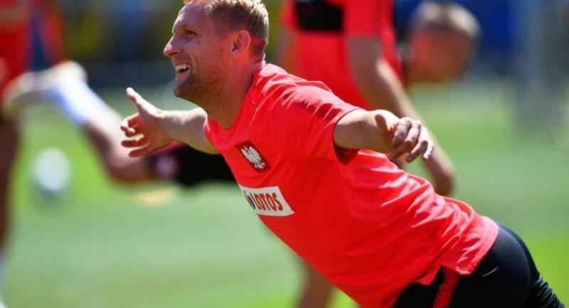 Polish national soccer team player Kamil Glik performs during his team's training session in Sochi, Russia, 14 June 2018.