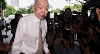 Surapong arrives at the Court's building on Tuesday.//Photo : Chalinee Thirasupa