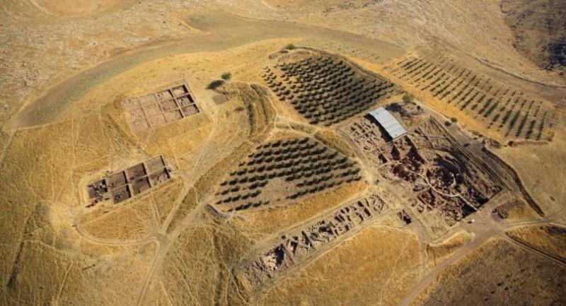 This undated handout photo made available by Unesco shows an aerial view of the archaeological site Goebekli Tepe near Sanliurfa, southeastern Anatolia region. / EPA-EFE