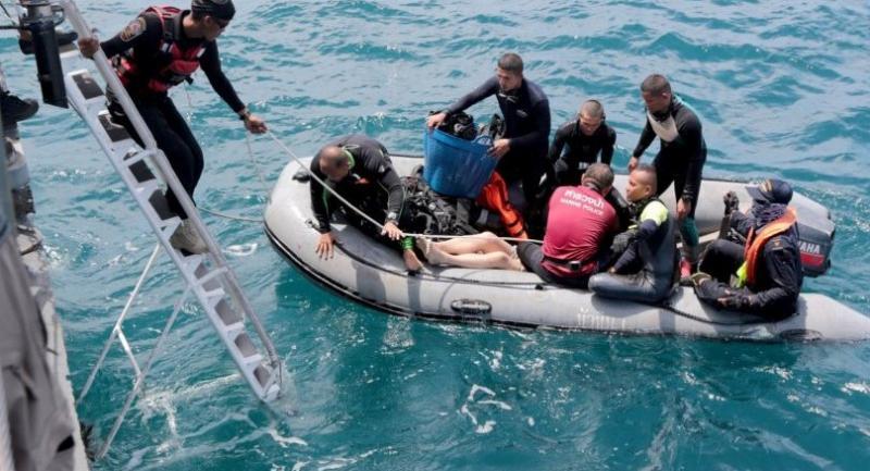 Seals drivers prepare to search for bodies Saturday.