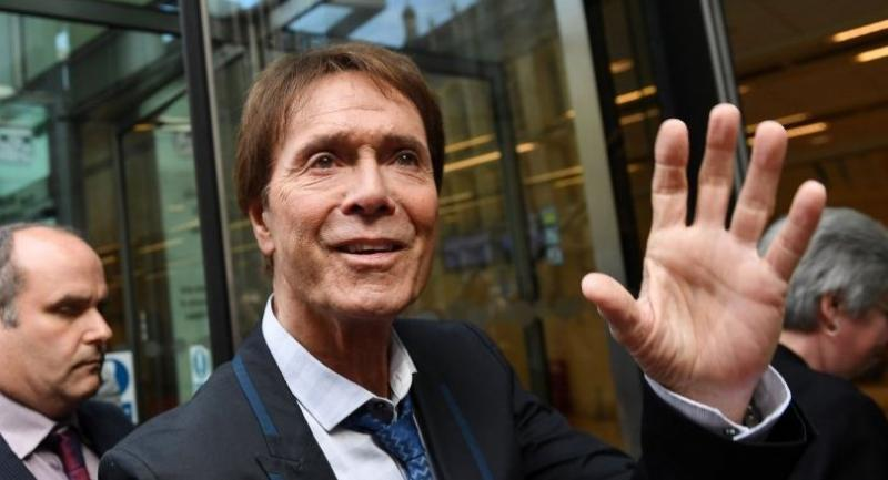 Sir Cliff Richard (c) arrives at the High Court in London, Britain on July 18  where the court is set to deliver its judgement on the Cliff Richard-BBC trial in which Richard is suing BBC over their coverage  a police raid of his home.//EPA-EFE