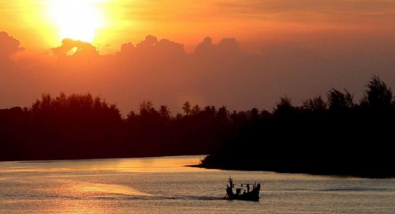 The stunning sunset view of Tak Bai River