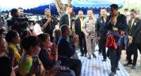 Prayut in Isan for the mobile cabinet