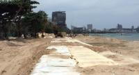 A section of Pattaya Beach is now undergoing reconstruction in a Marine Department project in which the highly eroded beach will be refilled with fresh sea-bottom sand.