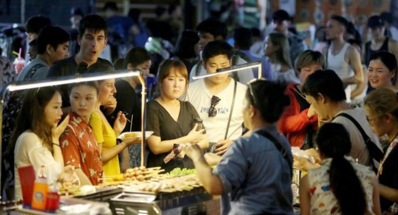 Khaosan is boring by day, but it's busy  by night. Nation/Tanachai Pramarnpanich
