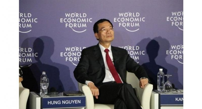Acting Minister of Information and Communications, Nguyễn Mạnh Hùng, attended the World Economic Forums with an initiative on a flat ASEAN where no roaming charge would be applied. — VNA/VNS Photo Hoàng Sơn