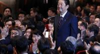 Japan's Prime Minister and president of the ruling Liberal Democratic Party's (LDP) Shinzo Abe (C) reacts after being re-elected as leader of the LDP at the party's headquarters in Tokyo, Japan, on September 20.//EPA-EFE