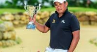 Chapchai Nirat poses with his trophy.