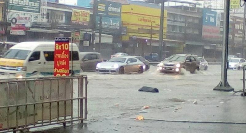 CR:WelovePattaya: Floods hit Chon Buri's Pattaya Sunday afternoon.