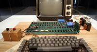 This file photo taken on June 24, 2013 shows an Apple-1 computer, built in 1976.//AFP