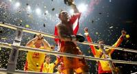 Srisaket Sor Rungvisai reacts after successfully retaining his title. Photo by Wanchai Kraisornkhajit