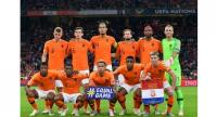 Netherlands' players pose ahead of the UEFA Nations League football match between Netherlands and Germany.