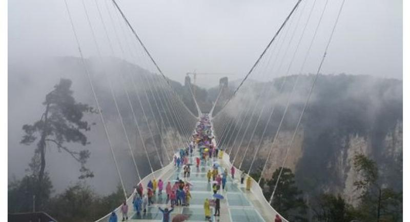 This 430-metre-long, 300-metre-high glass bridge can support 800 people at a time.